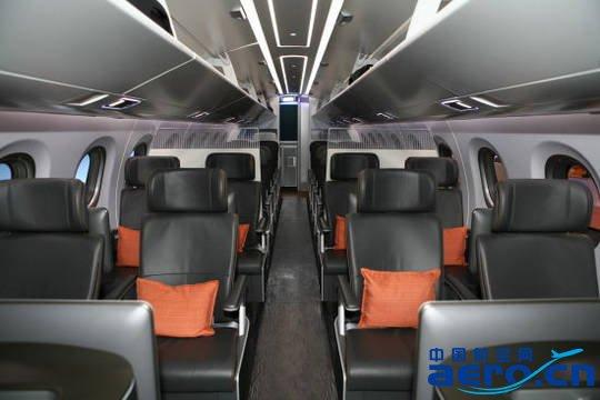 巴西航空工业公司和海南航空集团子公司天津航空公司签署了一项22架飞机的最终销售协议。按当前目录价格估算,该协议价值约为11亿美元,包括20架 E-195和两架E190-E2。海航集团天津航空成为首家订购E-Jets E2中国航空公司。此前,在中国国家主席习近平2014年7月对巴西进行国事访问期间,两家公司曾宣布签署四十架飞机销售协议。其余18架E190-E2将在获得相关政府批准后列入第二期协议。   首架E-195将于2015年交付,首架E190-E2计划于2018年交付。该定单将纳入巴航工业2015年