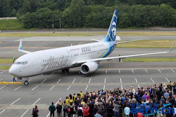 民用飞机及服务等方面数百亿美元的订单及承诺订单,为即将到来的百年