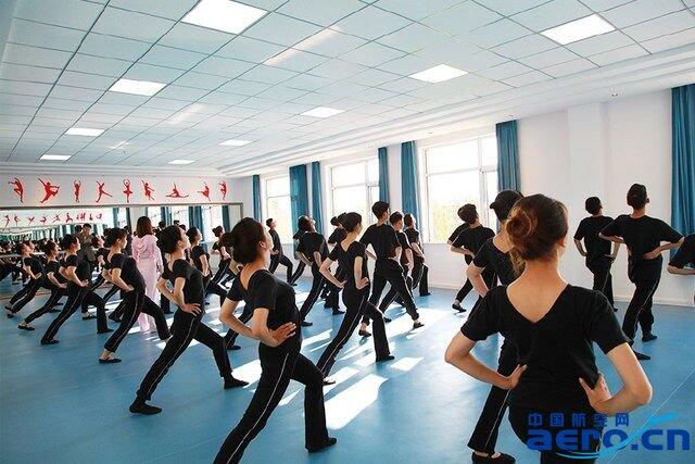 内蒙古师范大学副校长张海峰在接受记者采访时介绍说,学校与北京广慧